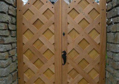 Création-rénovation-porte-et-portail-menuiserie-traditionnelle-du-poher-gourin-6-400x284