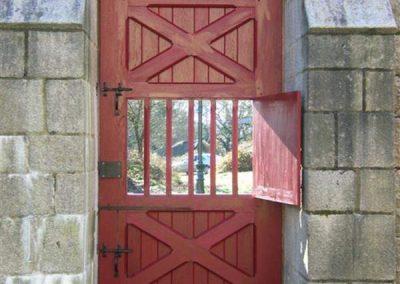 Création-rénovation-porte-et-portail-menuiserie-traditionnelle-du-poher-gourin-7-400x284
