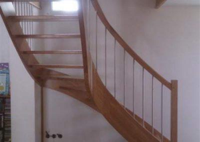 Rénovation-création-escalier-sur-mesure-menuiserie-traditionnelle-du-poher-à-Gourin-11-400x284