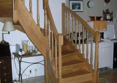 Rénovation-création-escalier-sur-mesure-menuiserie-traditionnelle-du-poher-à-Gourin-13-400x284
