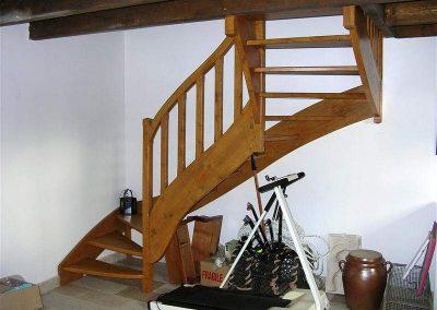 Rénovation-création-escalier-sur-mesure-menuiserie-traditionnelle-du-poher-à-Gourin-3-400x284