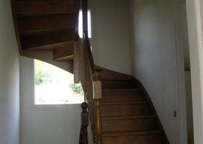 Rénovation-création-escalier-sur-mesure-menuiserie-traditionnelle-du-poher-à-Gourin-4-400x284