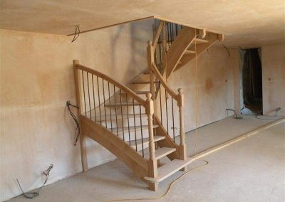 Rénovation-création-escalier-sur-mesure-menuiserie-traditionnelle-du-poher-à-Gourin-8-400x284