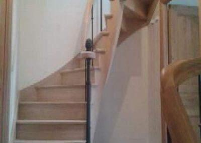 Rénovation-création-escalier-sur-mesure-menuiserie-traditionnelle-du-poher-à-Gourin-9-400x284